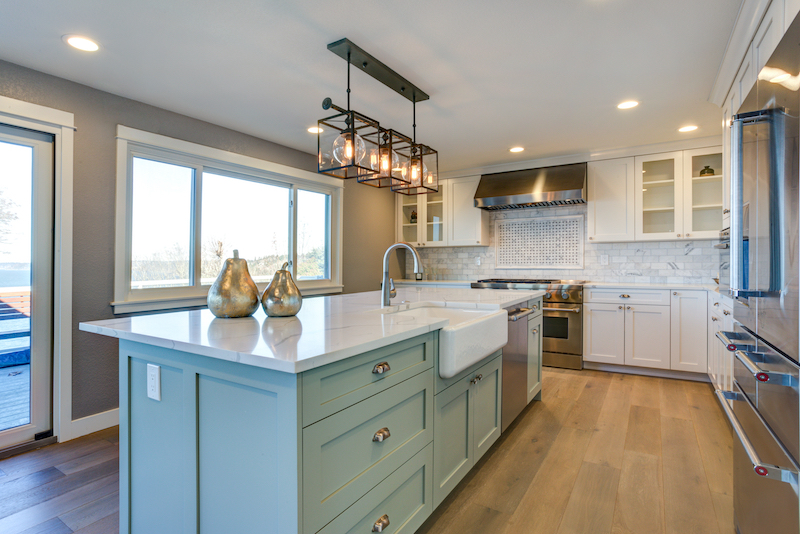 2 Design Ideas for Two-Tone Kitchen Cabinets
